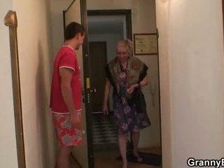 babička, babička, zralý