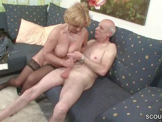 Oma und opa ficken das erste mal im porno fuer dø rente