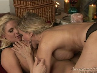hetaste lesbisk sex fullständig, stora bröst ni, kul lesbisk