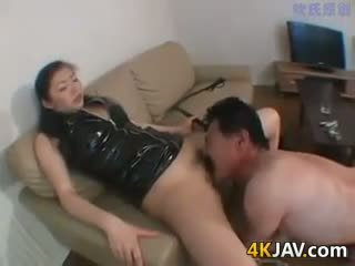 Japanese Chick Who Loves Dominating