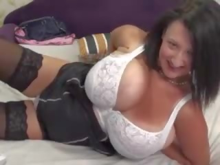 Reusachtig floppy boezem en dildo op webcam, porno 75