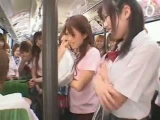 Školačka autobus fuckfest cenzurovaný