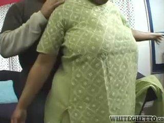 인도의 엄마는 내가 엿 싶습니다 loves 이 그녀의 bf 이다 having 재미 주위에 그녀의 큰 유방