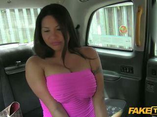Seksi candi shows dia tetek untuk sebuah gratis naik