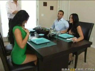 Husbands swap 妻子 前 到 dinner